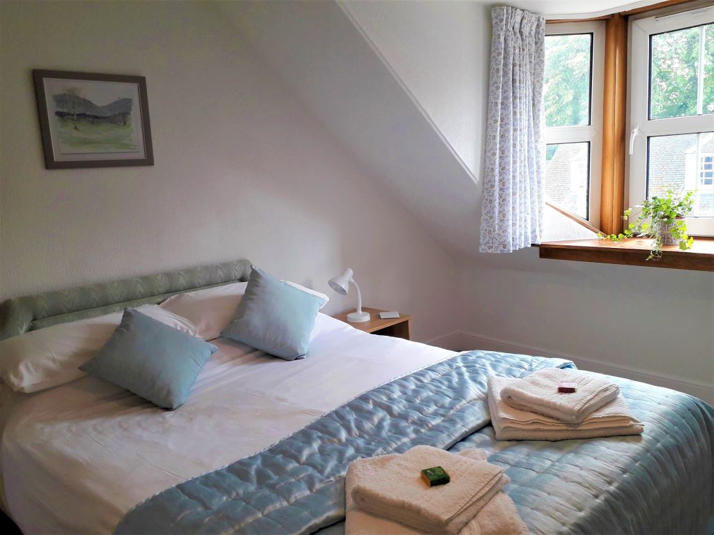 Inverness self-catering apartment DoubleBedroom at 98 Church Street